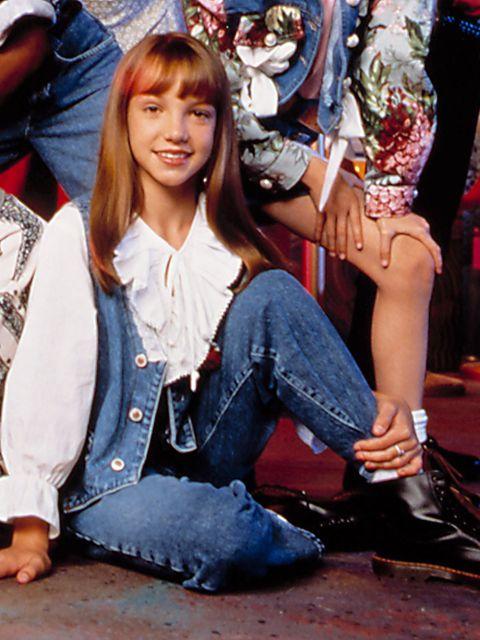 Jeans, Sitting, Denim, Leg, Hairstyle, Snapshot, Fashion, Textile, Cool, Fun,