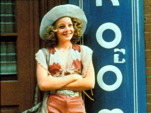 Costume accessory, Headgear, Sun hat, Costume hat, Vintage clothing, Bonnet, Portrait photography,