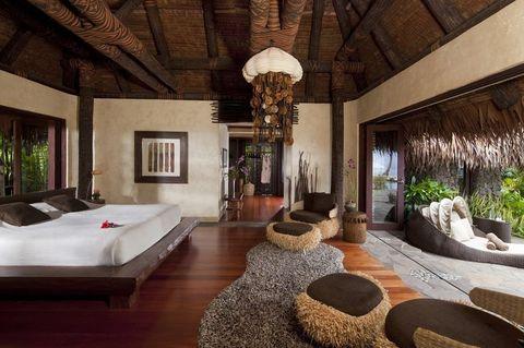 Room, Property, Interior design, Building, Furniture, Living room, House, Ceiling, Real estate, Suite,