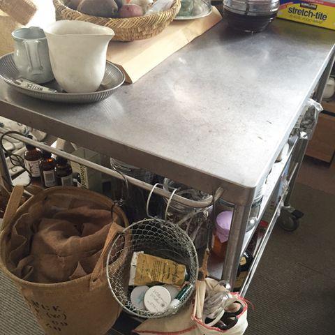 Serveware, Dishware, Coffee cup, Cup, Porcelain, Basket, Drinkware, Storage basket, Ceramic, Rope,