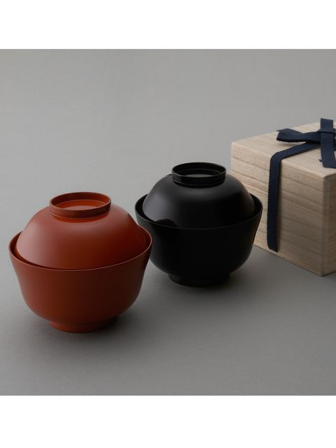 Cookware and bakeware, Maroon, Pottery, Lid, Box, Creative arts, earthenware, Still life photography, Crock, Artifact,