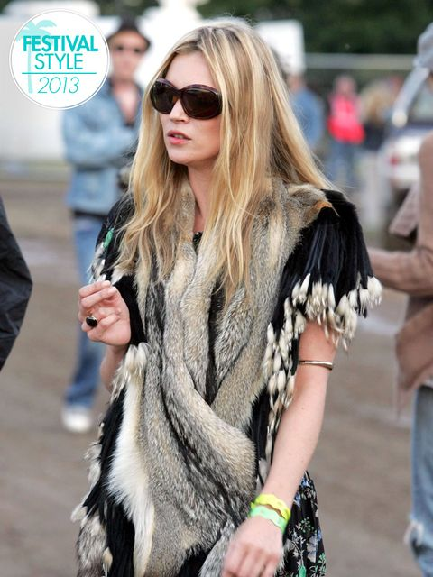 Eyewear, Glasses, Vision care, Human, Sunglasses, Textile, Hand, Outerwear, Style, Street fashion,