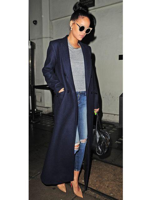 Clothing, Textile, Coat, Outerwear, Bag, Style, Street fashion, Sunglasses, Fashion accessory, Jacket,