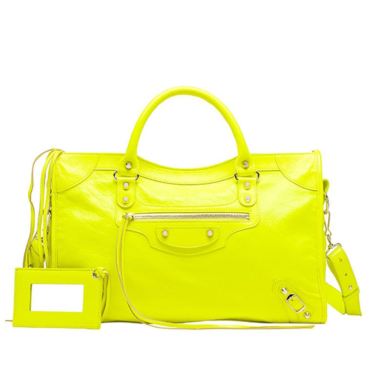 quality design 4f3b6 a3653 バレンシアガ」最新バッグのポップアップストアが伊勢丹新宿店で ...