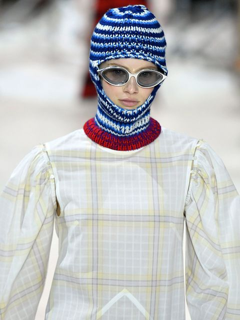 Clothing, Eyewear, Vision care, Glasses, Sleeve, Pattern, Textile, Collar, Outerwear, White,