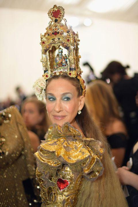 Event, Hair accessory, Headgear, Tradition, Headpiece, Crown, Fashion accessory, Fashion, Costume accessory, Costume design,