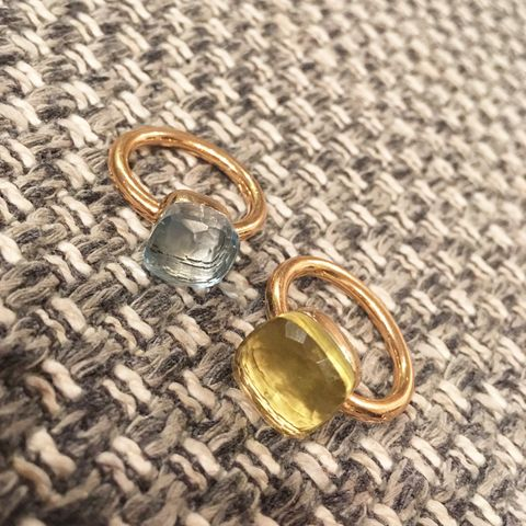 Jewellery, Fashion accessory, Amber, Metal, Natural material, Brass, Gemstone, Body jewelry, Ring, Gold,