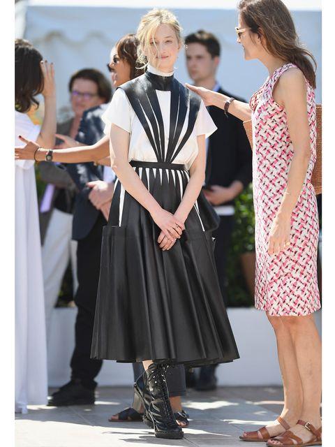 Clothing, Footwear, Leg, Dress, Outerwear, Style, Formal wear, One-piece garment, Fashion, Day dress,