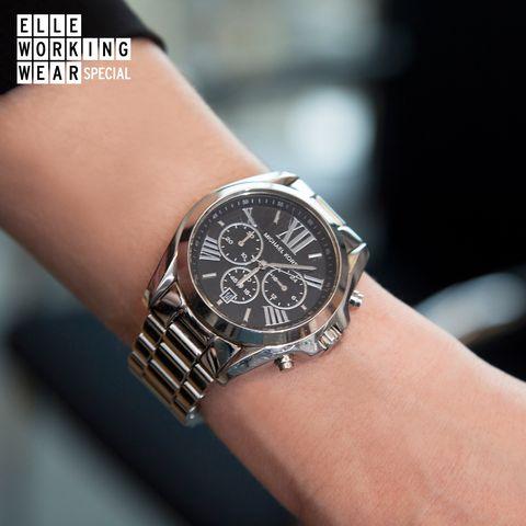 Analog watch, Watch, Wrist, Watch accessory, Fashion accessory, Jewellery, Strap, Fashion, Brand, Font,