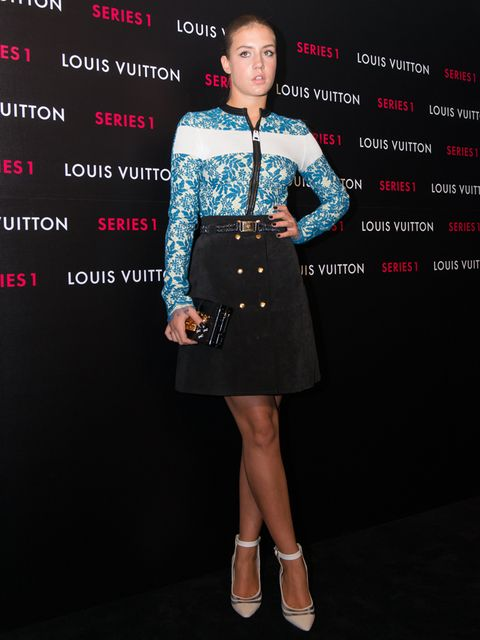 Sleeve, Dress, Style, Fashion, Cocktail dress, Bag, Street fashion, Day dress, Fashion model, Waist,
