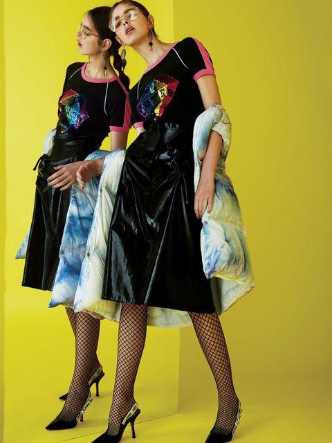 Textile, Dress, One-piece garment, Bag, Fashion, Day dress, High heels, Electric blue, Tights, Basic pump,