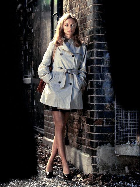Human leg, Street fashion, Fashion model, Fashion, Beauty, Long hair, Model, Day dress, Blond, Flash photography,
