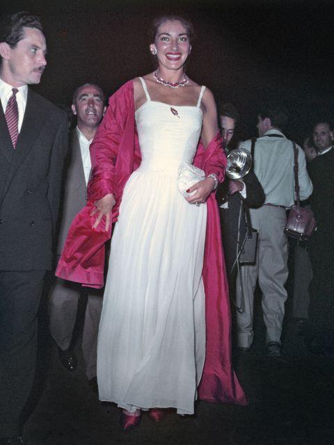Formal wear, Dress, Pink, Gown, Event, Fashion, Shoulder, Suit, Ceremony, Prom,
