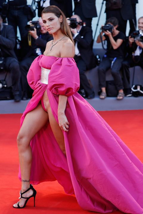 Hairstyle, Dress, Shoulder, Flooring, Joint, Coat, Outerwear, Premiere, Red, Pink,