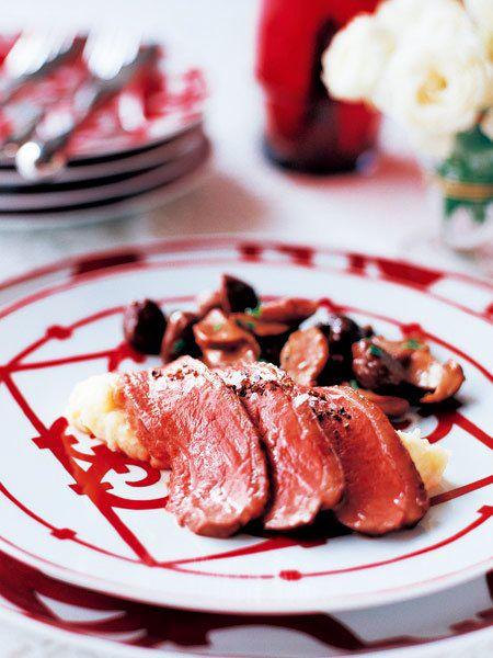 骨付き鴨胸肉の包み焼き のレシピ・作り方 ELLE gourmet [エル・グルメ]
