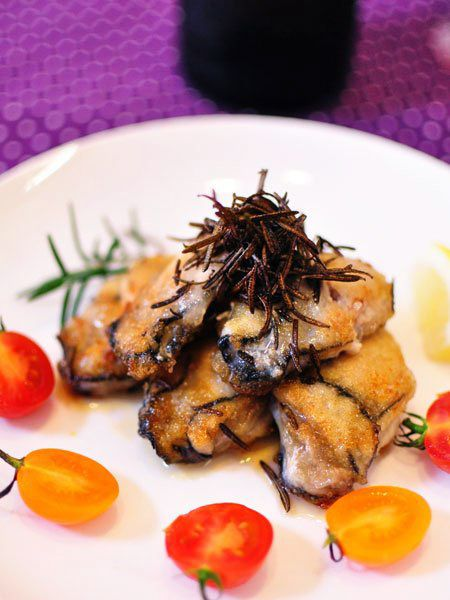 牡蠣とローズマリーチップ のレシピ・作り方|ELLE gourmet [エル・グルメ]