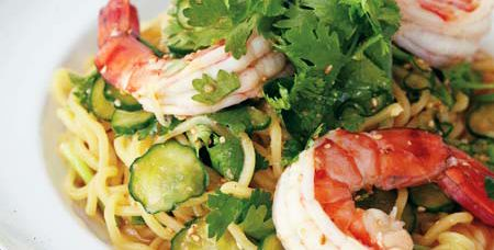 海老、きゅうり、香菜の和え麺