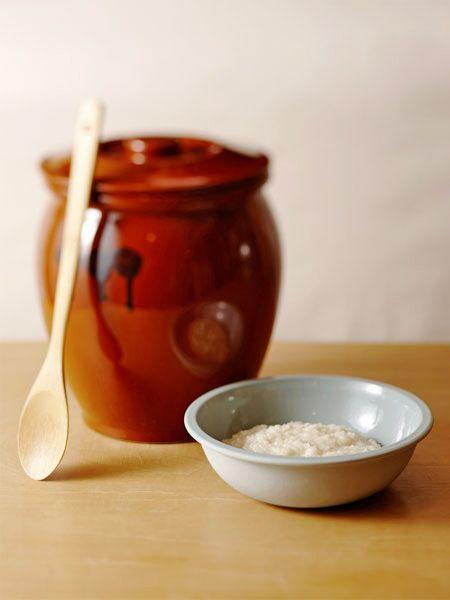 基本の塩麹 のレシピ・作り方|ELLE gourmet [エル・グルメ]