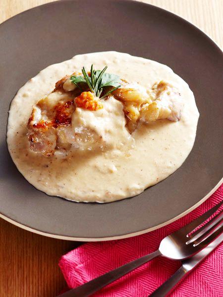 鶏肉の塩麹漬け とろりホワイトソース のレシピ・作り方|ELLE gourmet [エル・グルメ]