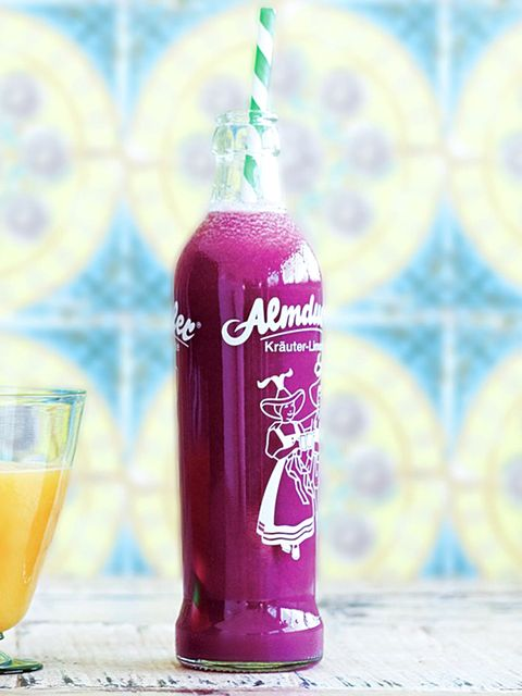 紫きゃべつとレモングラス、グレープフルーツのジュース のレシピ・作り方|ELLE gourmet [エル・グルメ]