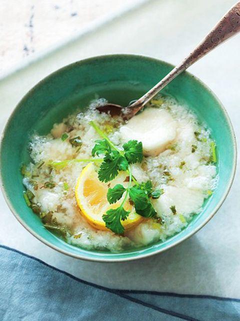 長芋、レモン、香菜のベトナム風スープ のレシピ・作り方|ELLE gourmet [エル・グルメ]
