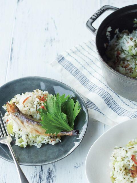 セロリの炊き込みごはん ししゃもと一緒に のレシピ・作り方 ELLE gourmet [エル・グルメ]
