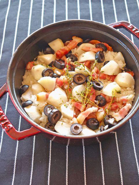 里芋とベーコンの炊き込みごはん のレシピ・作り方|ELLE gourmet [エル・グルメ]