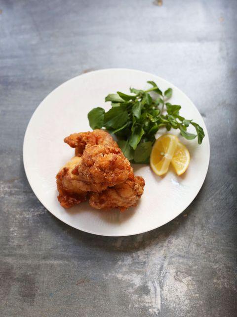 鶏の唐揚げ のレシピ・作り方|ELLE gourmet [エル・グルメ]