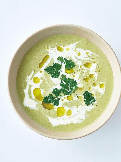 セロリのクリームスープ のレシピ・作り方|ELLE gourmet [エル・グルメ]
