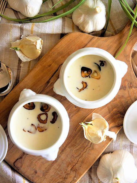 丸ごとにんにくの冷製ポタージュ のレシピ・作り方 ELLE gourmet [エル・グルメ]