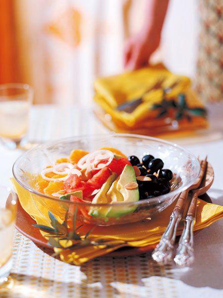 アボカド、オレンジ、トマトのサラダ のレシピ・作り方|ELLE gourmet [エル・グルメ]