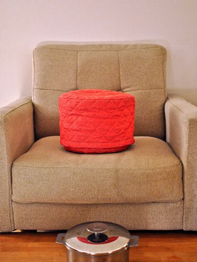 Room, Red, Furniture, Interior design, Living room, Rectangle, Couch, Club chair, Design, Armrest,