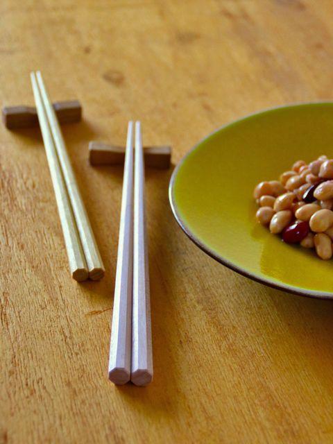 Wood, Food, Ingredient, Hardwood, Dishware, Produce, Legume, Kitchen utensil, Plywood, Serveware,
