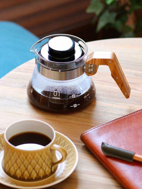 Serveware, Wood, Drinkware, Dishware, Table, Cup, Drink, Liquid, Tableware, Tea,