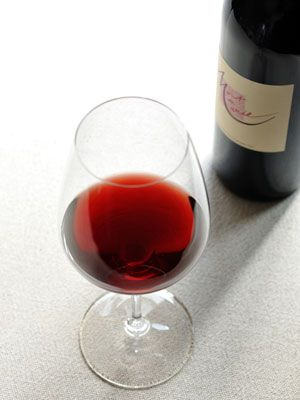 Fluid, Glass, Stemware, Liquid, Drinkware, Barware, Drink, Bottle, Alcoholic beverage, Red,