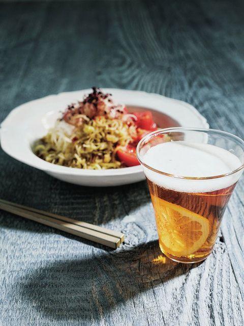 Beer, Drinkware, Drink, Barware, Tableware, Beer glass, Alcoholic beverage, Alcohol, Food, Serveware,