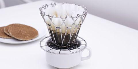 Product, Serveware, Drinkware, Dishware, Tableware, Cup, Plate, Kitchen appliance, Recipe, Dish,