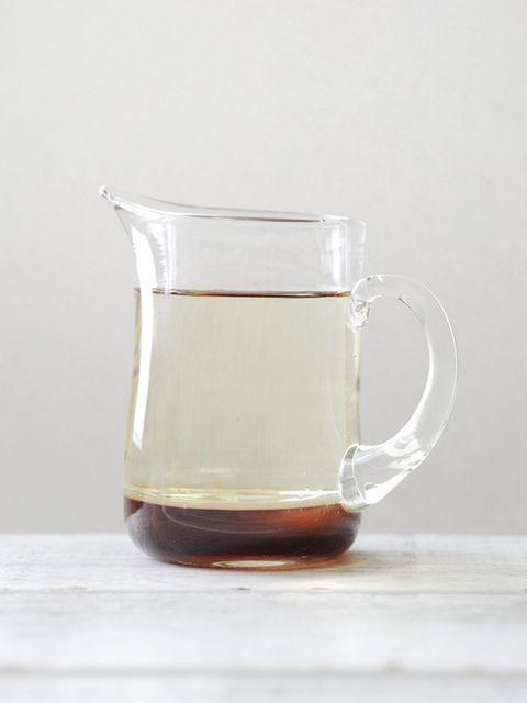 Liquid, Serveware, Drinkware, Fluid, Dishware, Drink, Tableware, Glass, Cup, Tan,