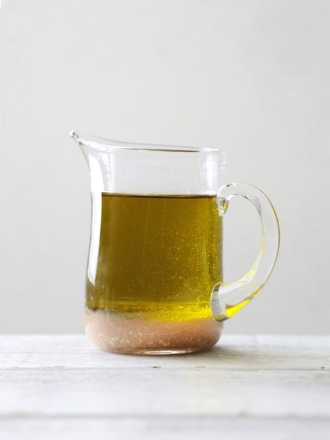 Serveware, Liquid, Drinkware, Drink, Tableware, Alcoholic beverage, Alcohol, Ingredient, Liqueur, Green tea,