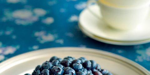 Serveware, Food, Dishware, Sweetness, Tableware, Plate, Fruit, Ingredient, Frutti di bosco, Cuisine,