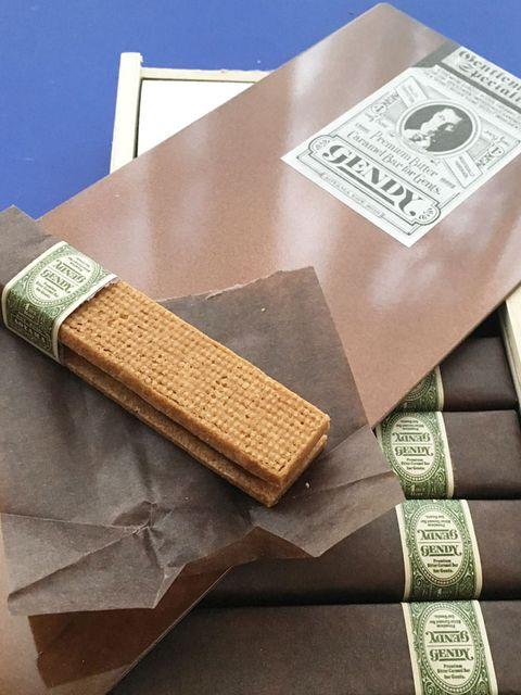 Wood, Material property, Rectangle, Chocolate bar,