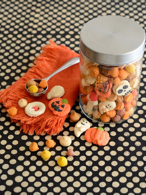 Food, Orange, Pattern, Peach, Produce, Food storage containers, Recipe, Vegetable, Lid, Meal,