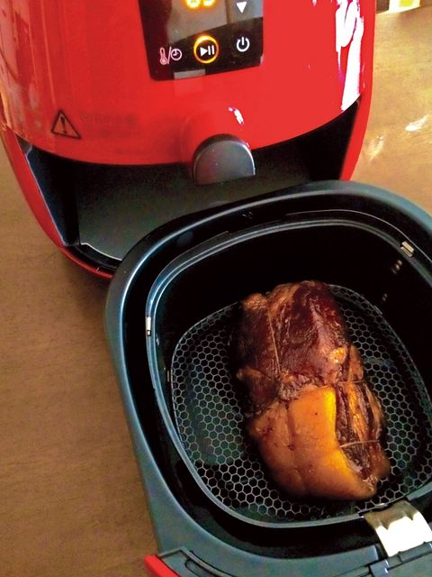 Small appliance, Red, Home appliance, Carmine, Machine, Kitchen appliance, Maroon, Gas, Meat, Major appliance,