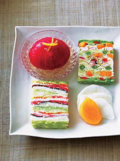 Food, Cuisine, Ingredient, Finger food, Dishware, Serveware, Dish, Garnish, Recipe, Dessert,