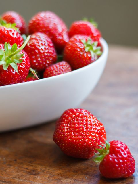 Food, Fruit, Natural foods, Sweetness, Produce, Red, Strawberry, Seedless fruit, Accessory fruit, Frutti di bosco,