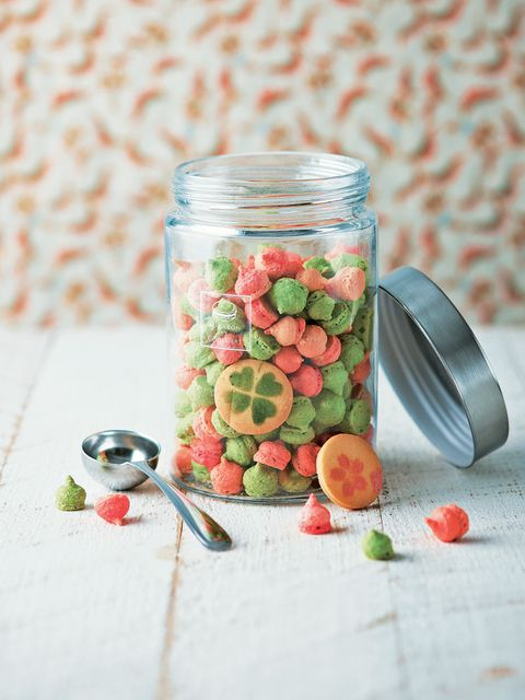 Red, Produce, Petal, Pink, Food, Flowering plant, Glass, Fruit, Dishware, Kitchen utensil,