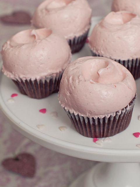 Food, Sweetness, Cupcake, Baked goods, Dessert, Ingredient, Pink, Cuisine, Cake, Baking cup,