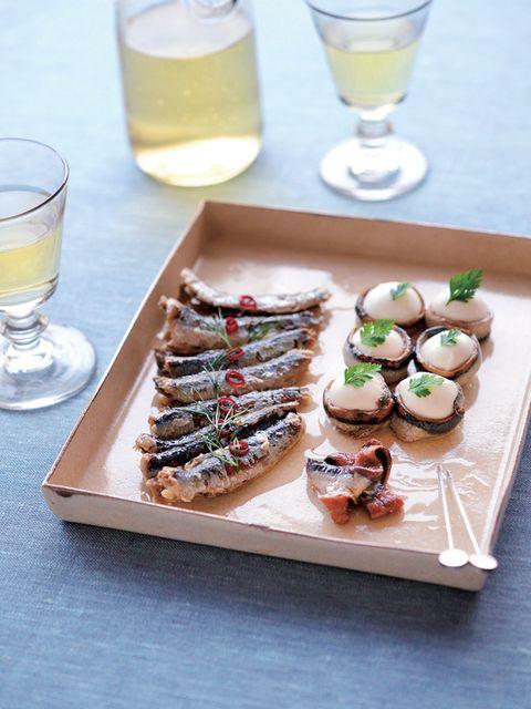 Cuisine, Drink, Food, Drinkware, Ingredient, Liquid, Serveware, Finger food, Tableware, Dish,