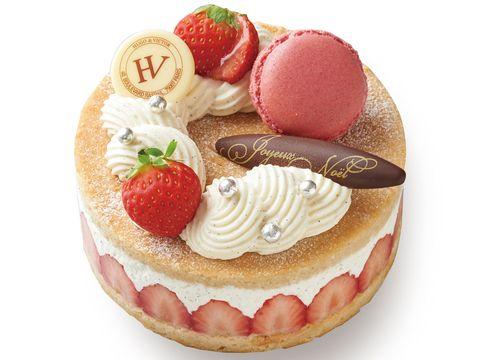 Food, Dish, Macaroon, Cuisine, Frozen dessert, Dessert, Strawberry, Sweetness, Strawberries, Cream,
