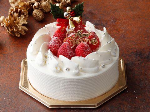 Food, Cake, Dessert, Whipped cream, Torte, Cream, Fruit cake, Cuisine, Cake decorating, Dish,